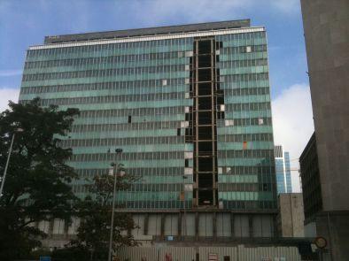 Bâtiment de la Cité administrative. En plein centre ville. Dans la capitale de l'Europe.